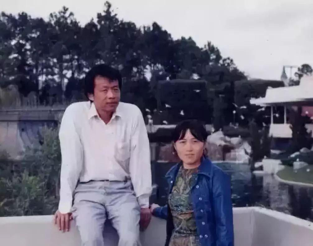 王小波和李银河2.jpeg